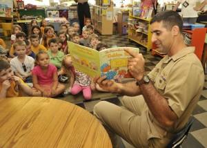 kindergarteners learn spelling words through reading